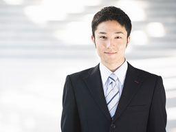 日本政府は雇用調整助成金を出し、雇用を守る動きを加速