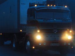 長距離トラックドライバーに転職する際に押さえておくべきポイント